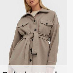 Säljer min snygga jacka pga att den är lite lång på mig (160). Storlek 36, slutsåld på Nelly. Färgen är den på första bilden. Högst bud får dom, köpare står för frakt ❣️