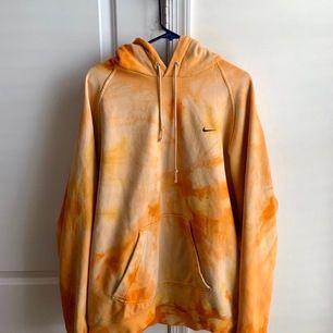 Vintage nike hoodie i bra skick. Strl L.