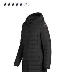Jag säljer nu min favorit jacka som jag haft i cirka 3 månader. Jackan är i väldigt bra skick och det finns inga fel på den. Säljer den på grund av att den inte passar på mig längre, vid snabb affär kan priset diskuteras!!