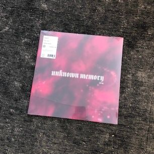 Ny och inplastad- Kan hämtas i Uppsala eller skickas mot fraktkostnad - Frakt för 1-3 vinylskivor 50 SEK