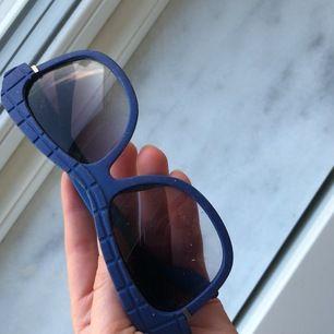 Superfina och supercoola solglasögon! Nya och superfina!