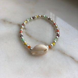 Armband 60kr inklusive frakt  Insta: Kissntelljewelry