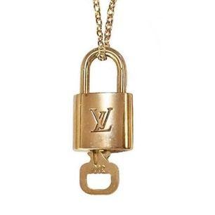Louis Vuitton necklace 750kr först till kvarn