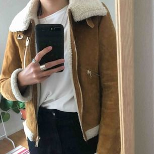 Women's suede jacket. Has some discolouring on the right hand sleeve, just need a good clean (if you know how)