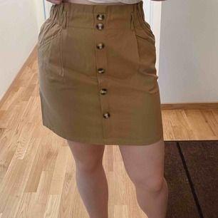 Oanvänd kjol som är perfekt för sommaren!