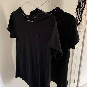 Två Nike t-shirts som tyvärr har blivit för små för mig. En för 120 och båda för 200. Frakten är inte med i priset!