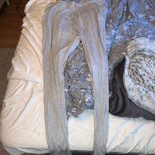 Byxor från lager 157. Säljer för det är för stora i midjan. Något korta för  mig i längden (173 cm) aldrig använda