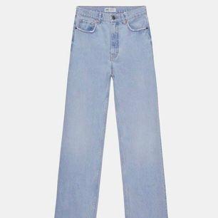 Jag söker dessa zara jeans i str 36 eller 38! Kontakta mig om du har de och vill sälja dom🥰🥰🥰🥰🥰