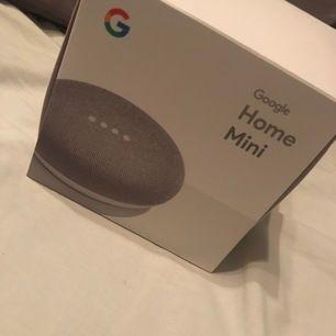 Säljer min Google home mini i färgen grå. Produkten är endast testad en gång och har svensk version. Allt finns kvar i originalförpackningen.