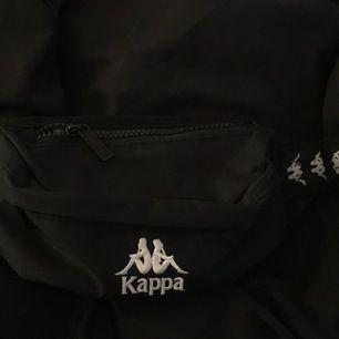 Fin väska från kappa i toppenskick, säljer för kommer inte riktigt till användning ☺️ (+frakt)