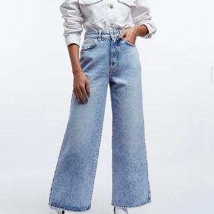 Super snygga raka jeans, använda två gånger men är tyvärr inte min stil så därför jag säljer. Från Gina och  Köpta för 600kr jag säljer för 300. Köparen står för frakt!