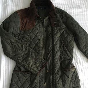 En jätte fin polo ralph laurent jacka som kan användas i alla årstider! Bra kvalité och sparsamt använd. Pris kan diskuteras!