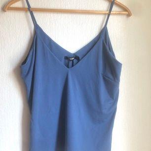 Oversized linne 💙 Använd en gång! Kan mötas upp i Malmö eller skickas för 42kr (frakt) ❤️