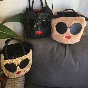 Säljer mina äkta samling av a-Jolie bag från Korea, köpte 500kr/st topp skick och har knappt använd dem. Säljes tillsammans 500kr,, ENDAST SERIÖSA KÖPARE TACK!