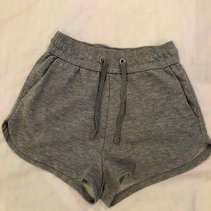 Sååå sköna gråa mjukis shorts från H&M!