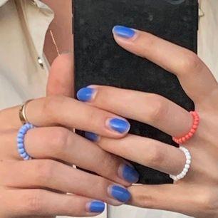 Fina elastiska pärlringar,Jättesnygga att blanda med ringar i både guld och silver!!🥰🥰  det går att köpa flera i samma färg eller olika färger🌈🌈 20kr styck! Slutsåld i gult