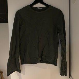 Mörk grön tröja från zara🖤 Frakt tillkommer!