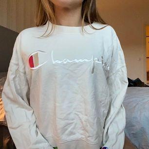 Säljer min tröja från Champion då den sällan används.