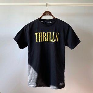 Vintage svart Nirvanainspirerad tisha! Storlek XS i herrstorlek men snarare M pga lite stor i storleken. Frakt 55.