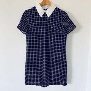 mörkblå Rutigt mönster klänning, ävand bara en gång, ~ 44 x 80cm, FRI FRAKT❣️