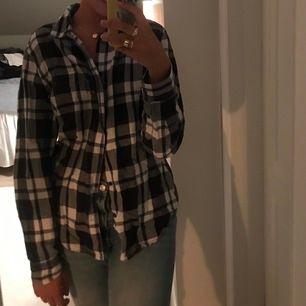 Jättesnygg oversized skjorta från gap