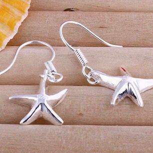 🥳 somriga silver dropp Örhängen vackra strand sjöstjärnor Silver stämpel  925 🥳🌼 Bjuder på portot 😀⭐️
