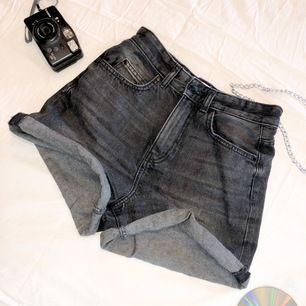 Shorts från Carlings! Storlek 34 och sparsamt använda.