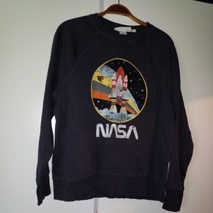 Fin NASA-tröja, storlek S