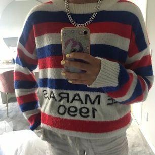 Nu säljer jag min super coola tröja från loavies. Storlek S. Köparen står för frakt! Buda från 150 kr. 😍🧚🏼♀️🧚🏼♀️🧚🏼♀️🧚🏼♀️