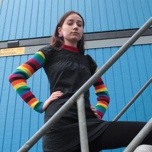 Regnbåge färgad stickad sweater från Daisy Street nästintill oanvänd