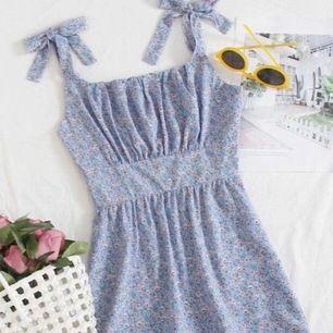 Säljer denna klänning som inte passar mig🥰 den är från shein