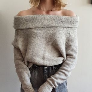 Otroligt skön tröja från Only! Mjuk och ej stickig. Storlek S. Kan mötas upp i Uppsala/Stockholm, alternativt skicka mot fraktkostnad.💜