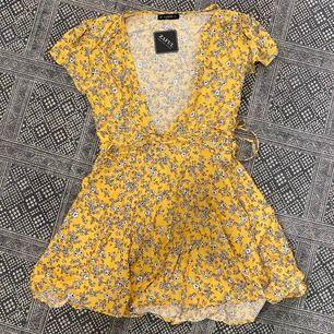 Helt ny klänning från zaful med tagsen kvar. storlek XS