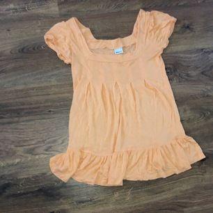 En orange T-shirt / tröjan storlek s från ginatrcot köpare står för eventuell frakt. Kontakta om Michael frågor!