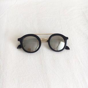 Svarta solglasögon i bra skick!🌸