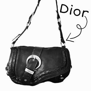 Supersnygg! 💖 Christian Dior gaucho saddle bag!!! Vintage! Saknas några