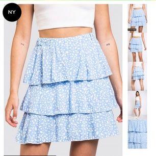 Söker denna kjolen från madlady i antigen blå, grön eller lila eller någon liknande i strl M. Skriv i pm ifall ni säljer !!!