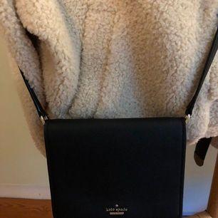 Kate spade väska