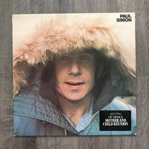 Säljer lite vinylskivor för en billig peng! 70-och 60-tal. Paul Simon, Joan Armatrading och The Spinners. Inga märkbara skavanker på själva skivorna. Pris inkl. frakt.