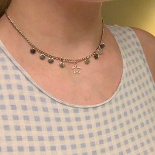 jätte fint halsband!🥺 köparen står för frakten på 11 kr!💕🦋