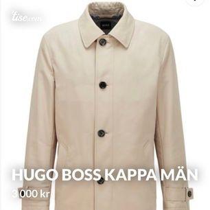 En äkta Hugo Boss kappa för män. Använd max 3 gånger och är i storlek M passar även L. Den köptes för 4399kr i butik. Priset kan även diskuteras