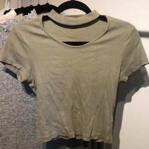 Hej säljer denna fina tröja från new jorker. Knappt användt. Frakt ingår i priset