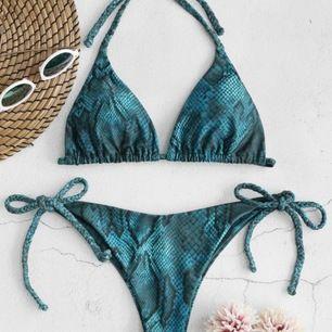 Säljer denna bikini från zaful! Den är använd men har inga fel, säljer då jah tröttnat och har flera andra jag hellre använder :) Storlek S och man kan ju knyta om banden hur man vill så skulle nog funka på en M också! Frakt tillkommer