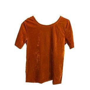 Väldig stretchig tröja som passar någon mellan XS-M💞 superfin att ha med kostymbyxor<3