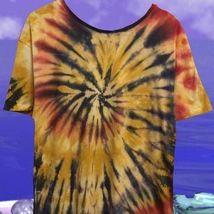 En av mina favoriter, super cool tiedye T-shirt, frakt: 30kr