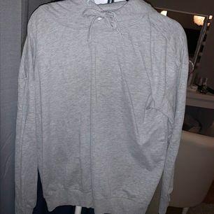Grå hoodie från lager 157,aldrig använd