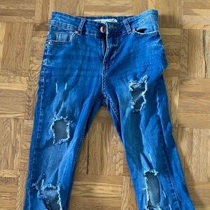 jeans, frakt tillkommer