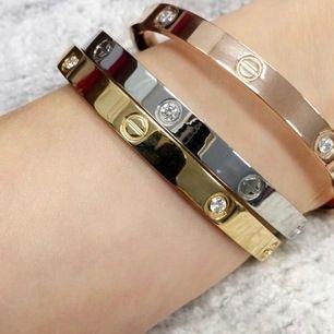 Cartier har silver och guld pris 499kr färgen går ej bort