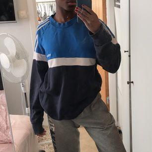 Sweatshirt från Adidas, 200+80kr frakt.