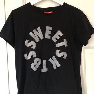 Sktbs t-shirt i bra skick. Köpare står för frakt